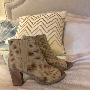 Peep toe heeled bootie from Maurice's